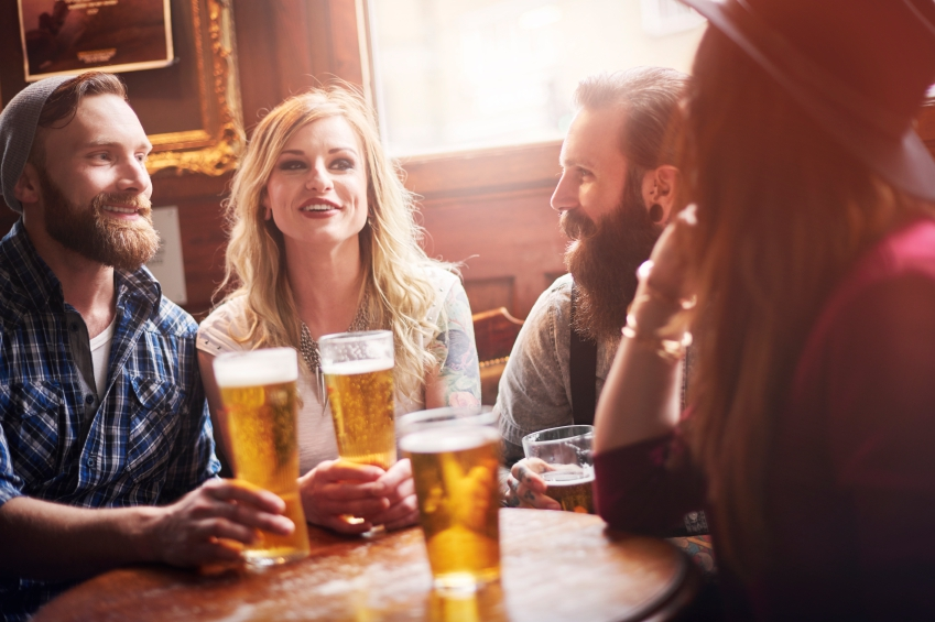 Group-of-friends-at-the-pub-iStock_000065477743_Small